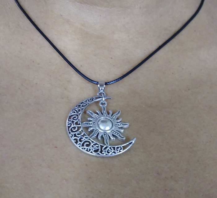 PA-107_Sun-and-moon-silver-pendant2.png