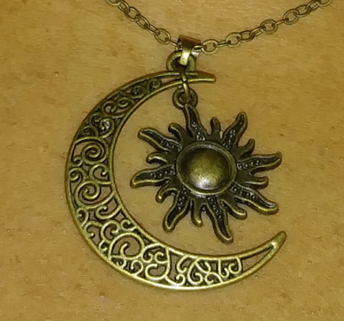 PA-108_Sun-and-moon-bronze-pendant3.png