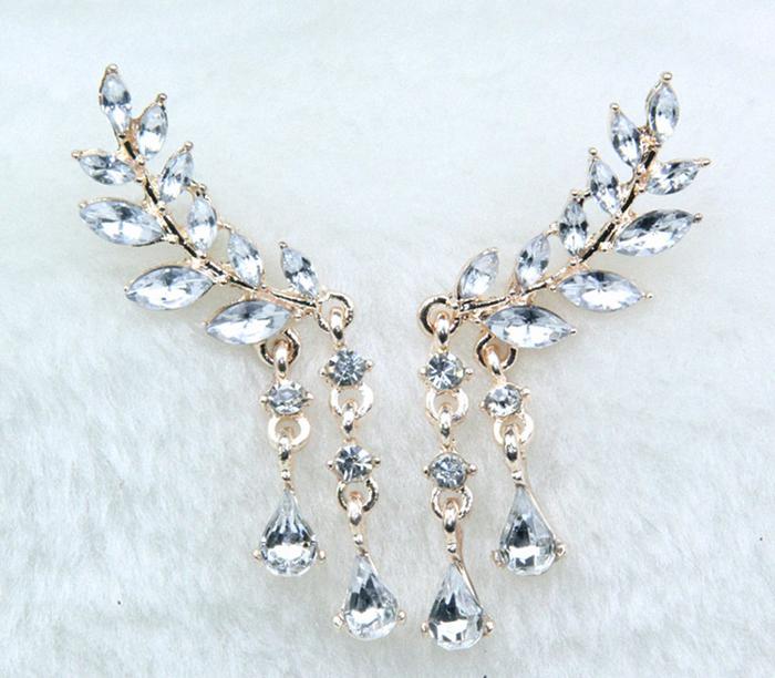PA-109_Angel-Wings-Crystal-Pierced-Earrings_gold1.png