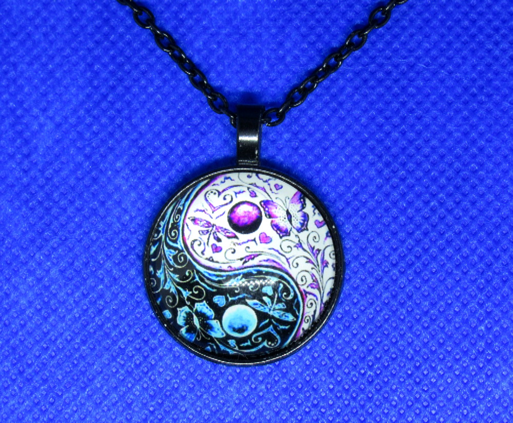 PA-114_Yin-Yang-Butterfly-Pendant_silver2.jpg