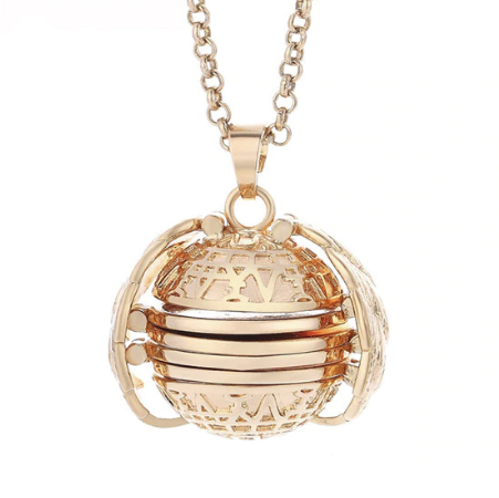 PA-119_Angels-Wings-Four-Photos-Locket_gold1.png