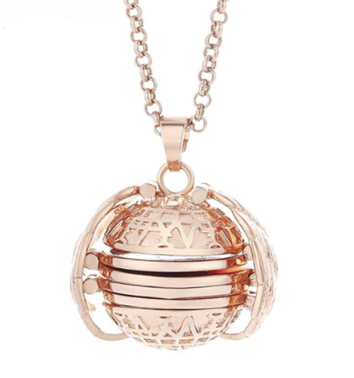 PA-119_Angels-Wings-Four-Photos-Locket_rose-gold1.png