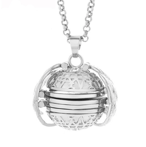 PA-119_Angels-Wings-Four-Photos-Locket_silver1.png