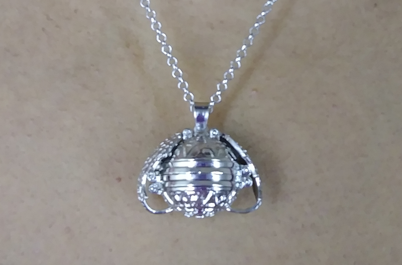 PA-119_Angels-Wings-Four-Photos-Locket_silver2.png