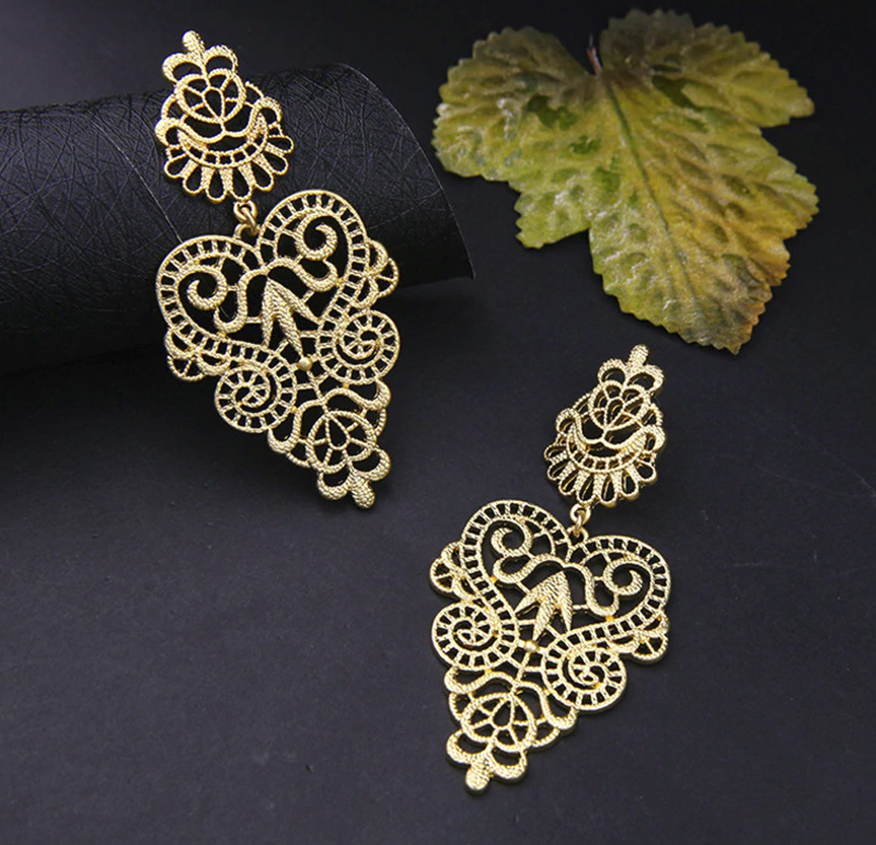 PA-123_Bohemian-Hollow-Leaf-and-Flower-Drop-Earrings_gold-pair2.png