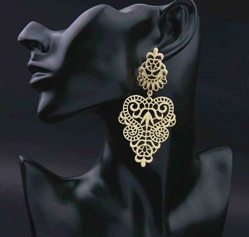 PA-123_Bohemian-Hollow-Leaf-and-Flower-Drop-Earrings_gold_model3.png