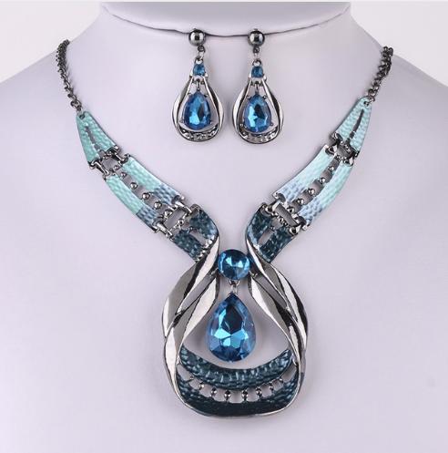 necklace-set-blue-stones.png