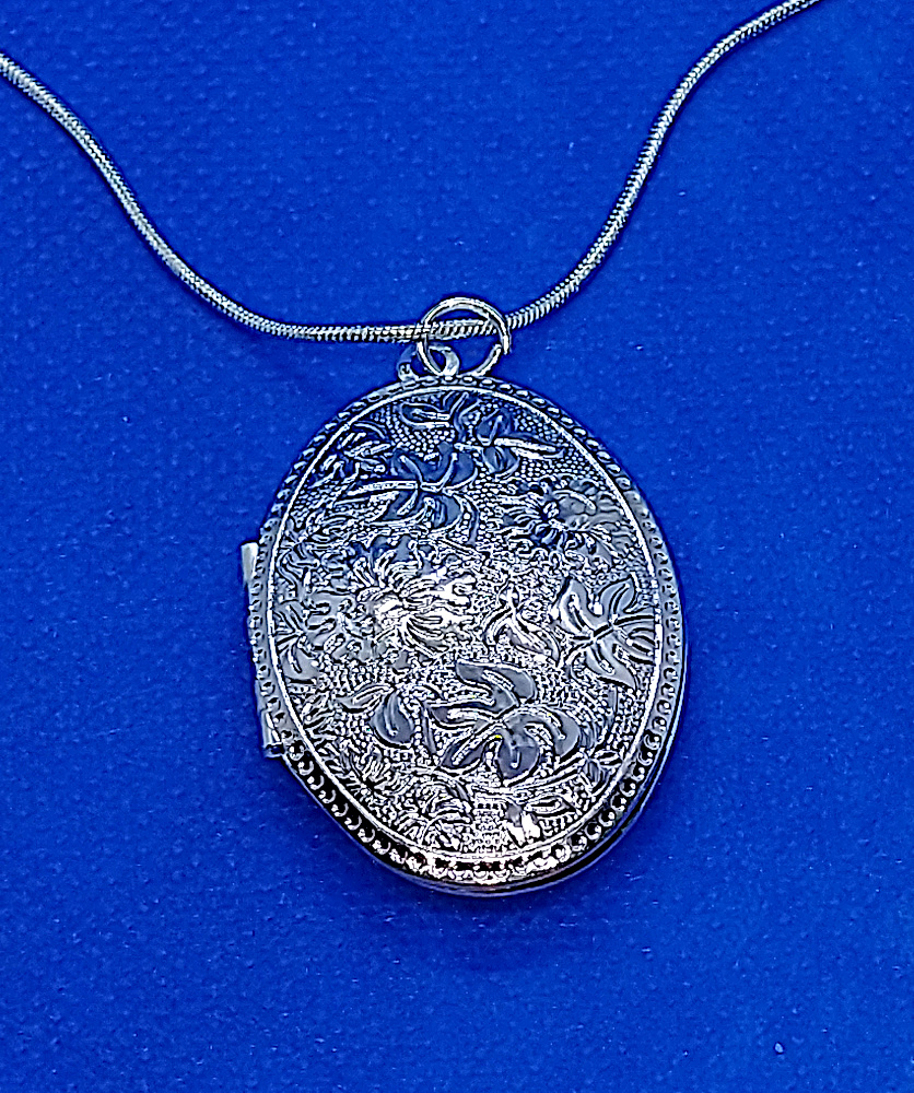 RJ-110_Flowers and Leaves 925 Silver Locket1