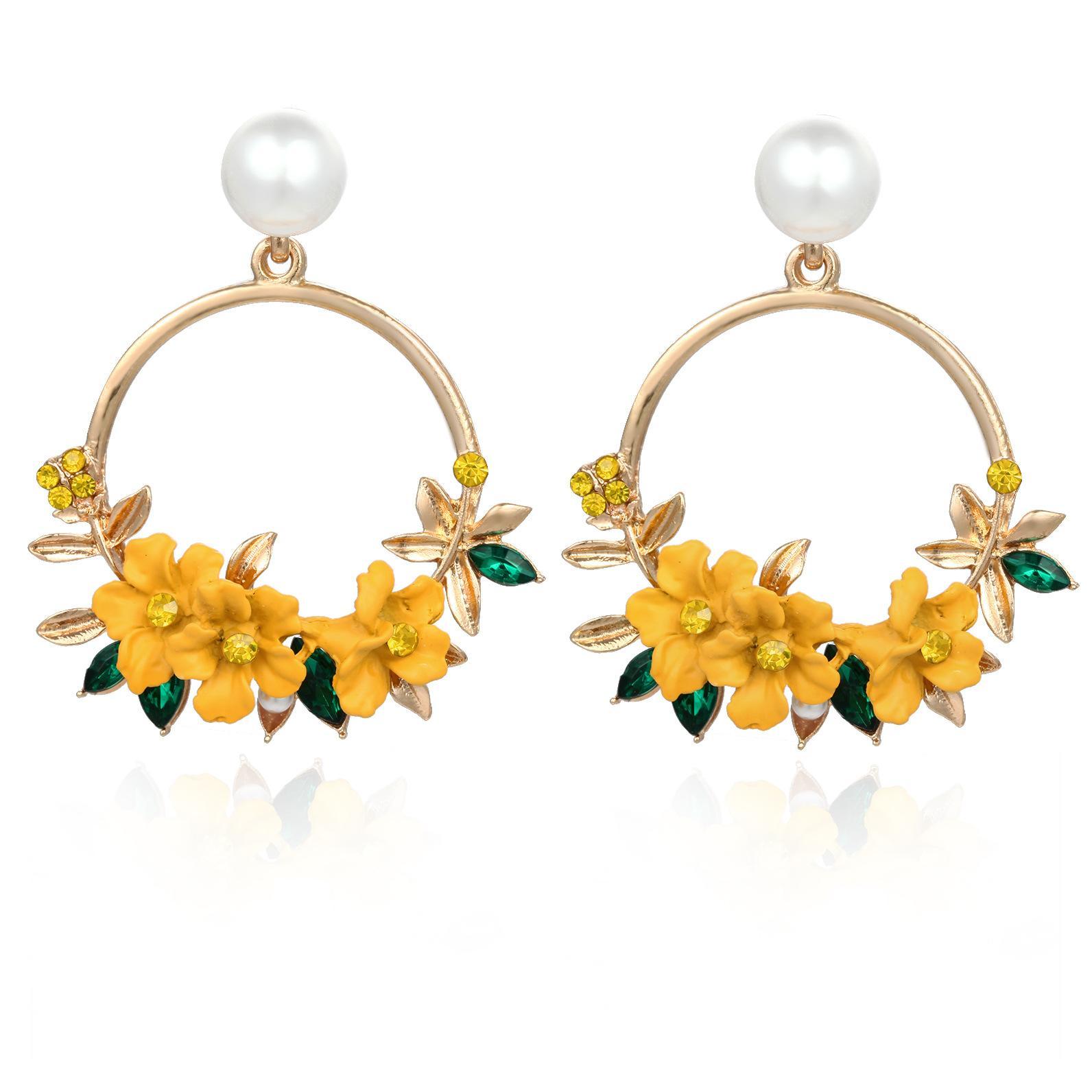 Crystal and Pearl Floral Wreath Hoop Earrings_yellow