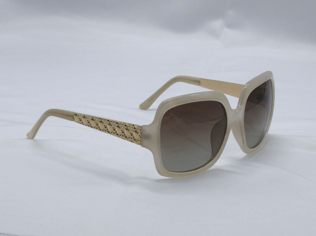 Polarized Sunglasses 100% UV Protection - Light Beige and Gold